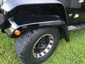 Jeep Parts - Car Parts - 2008 Jeep Wrangler Unlimited stock fenders with wheel well inserts. for Sale in Miami, FL