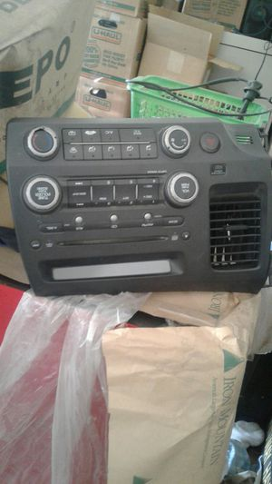 2009 honda civic cd player P/N 39101-sna--A030-M1 for Sale in Hayward, CA