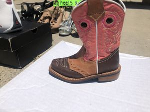 $10 PINK BABY GIRL SIZE 4 COWGIRL BOOTS for Sale in Encinal, TX