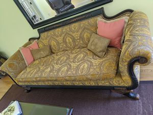 Antique Couch w Down Cushion for Sale in Princeton, NJ