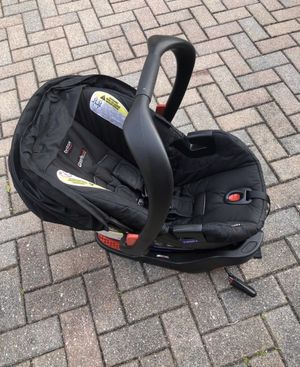 Britax car seat with two bases for Sale in East Granby, CT