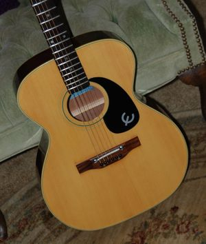 VINTAGE EPIPHONE ACOUSTIC GUITAR for Sale in Wadsworth, OH