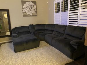 Ashley furniture 6 piece power recliner sectional for Sale in Aurora, CO