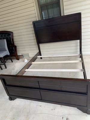 DARK CHERRYWOOD QUEEN SIZE BED for Sale in San Antonio, TX