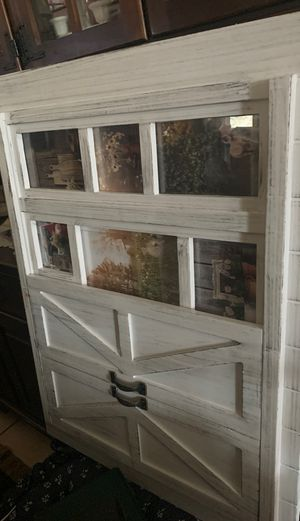Farm barn door picture frame cute for Sale in Riverview, FL