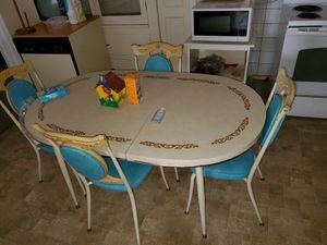 6 Chair Mid Century Dining Table! Amazing Shape! - $499 (2639 E. Madison | Fresno) for Sale in Fresno, CA