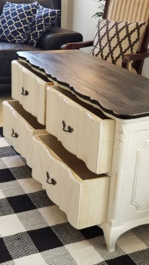 DRESSER W 4 DRAWERS/ENTRYWAY/TV STAND/BUFFET for Sale in Chino Hills, CA