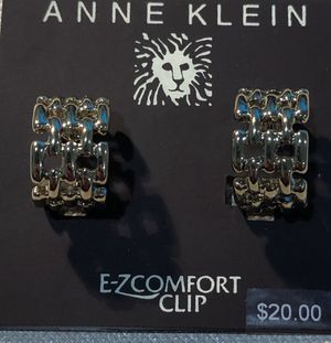 Anne Klein Gold toned chain link earrings for Sale in Spokane Valley, WA