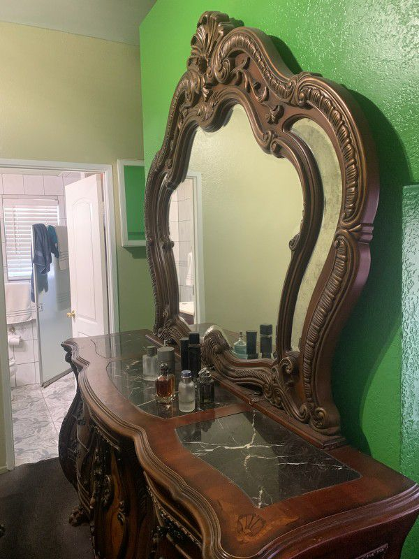 Real Wood Dresser With Mirror