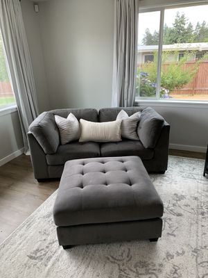 Comfy loveseat/chairs and ottoman for Sale in Puyallup, WA