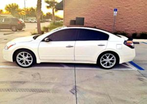 SUPER COMFY!! NISSAN ALTIMA _2OO9  for Sale in WDM, IA