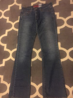 Womens Levi's size 5 for Sale in Detroit, MI