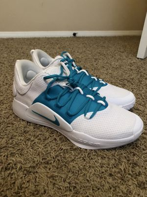 Nike hyperdunk low (PRICE NEGOTIABLE) for Sale in Murrieta, CA