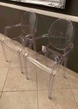 NEW $100 for 2 Casper Modern Acrylic Stacking Kitchen and Dining Room Arm Clear See Through Ghost Chair 21x22x36 inches tall for Sale in Los Angeles,  CA