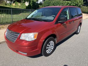 2008 Chrysler town and country for Sale in Manchester, CT