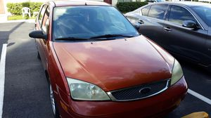 Ford hatchback 2007 for Sale in BELLEAIR BLF, FL