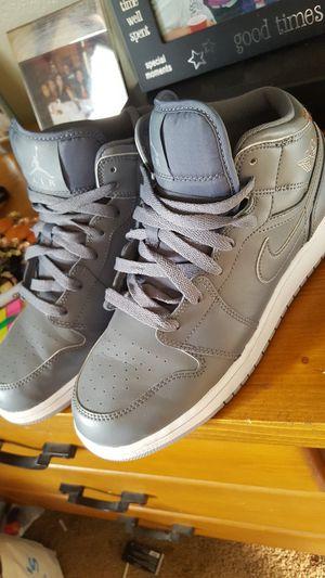 Grey Jordan boy size 7 for Sale in Las Vegas, NV