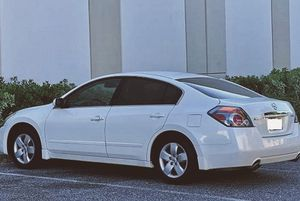 Nissan Altima S 2008 White luxury package!!!!!! for Sale in Wichita, KS