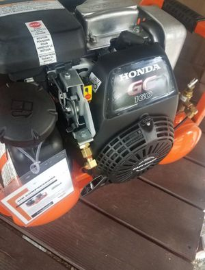 Honda Gas Air Compressor. Honda Motor Runs Forever. Retail for $900. + tax. for Sale in Snohomish, WA
