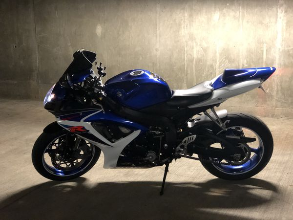 2007 GSXR 600 Clean! Comes with extra parts, $5000 OBO