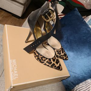 Michael Kors size 11 for Sale in Woodlawn, MD