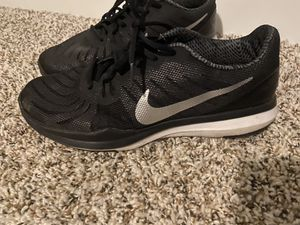 Nike shoes women 9.5 for Sale in Fresno, CA