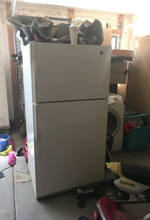 Kenmore refrigerator works great! Just don't have use for it for Sale in Phoenix, AZ