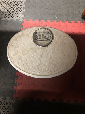 1950's borg White bathroom scale for Sale in La Habra, CA