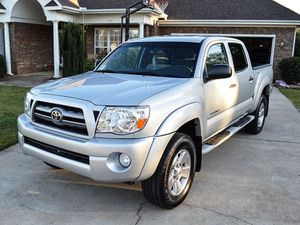 Amazing 2005 Toyota Tacoma 4WDWheels Clean Title for Sale in Cape Coral, FL
