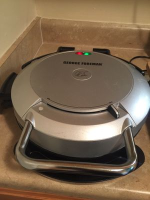 George Foreman Non Stick Removable Plate Family Size Lean Grilling Machine for Sale in Wilson, NC