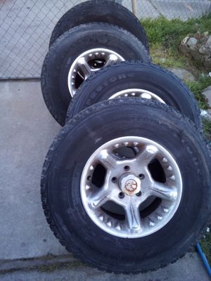 A set of Firestone tires 95% of life size of all tries 265/75/16 for Sale in Stockton, CA