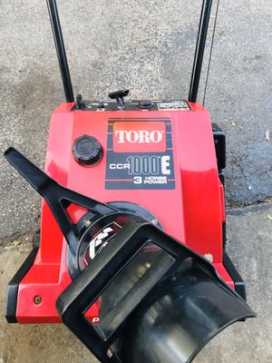 "Toro CCR 1000E starts at first pull or it has electric start 20"" for Sale in Westmont, IL"