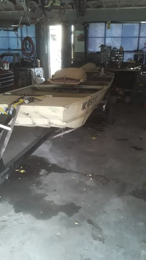 14ft jonboat with trailer for Sale in Detroit, MI