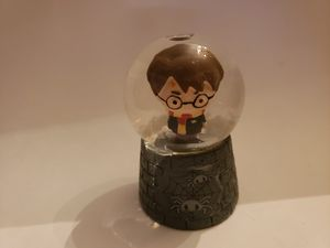 Too cute!! Harry Potter snow globe. 3 inches of adorableness for Sale in Plainville, CT