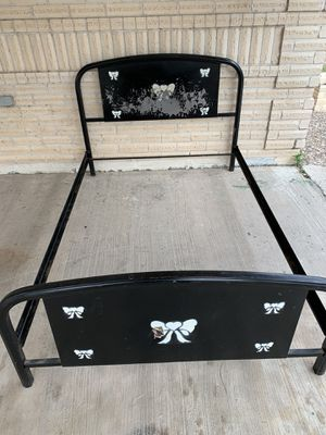 Full size metal bed frame - cama matrimonial for Sale in Mission, TX