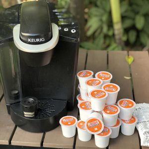 Keurig K-Classic Coffee Maker with refillable k up pod, 2 extra water filters and 2 dozen k-cups for Sale in Key Biscayne, FL