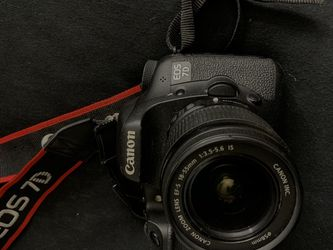 CANON 7D BODY AND STARTER LENS FOR 300$ for Sale in Los Angeles,  CA