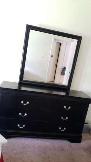 Queen size bedroom set for Sale in Tampa, FL