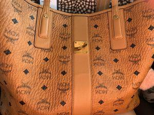 MCM Medium Hand bag for Sale in Stanton, CA