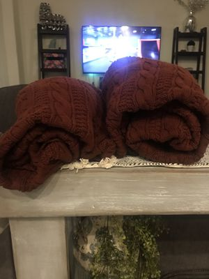 Large decorative blankets maroon for Sale in Boerne, TX