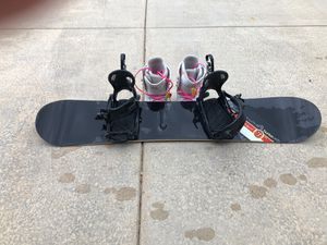 Snowboard & boots Woman's size10 for Sale in Saginaw, MI