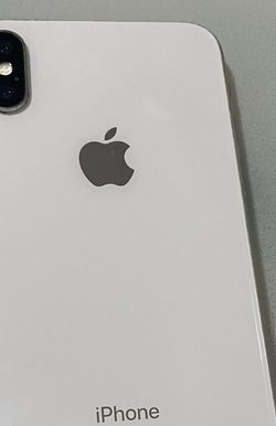 iPhone X 64gb Unlocked For All Carriers for Sale in Sylmar,  CA