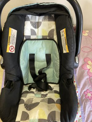 Infant to toddler car seat for Sale in Southington, CT