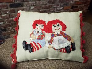 Vintage raggedy Ann and Andy decor pillow for Sale in Medford, OR
