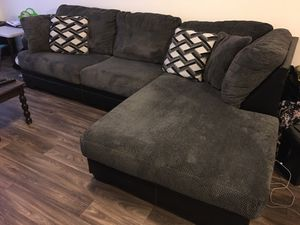 Gray and black couch - like new!! for Sale in Vancouver, WA