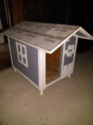Dog House for Sale in Rialto, CA