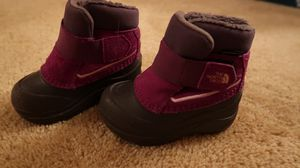 North Face winter boots- toddler size 6 - girl for Sale in Algonquin, IL