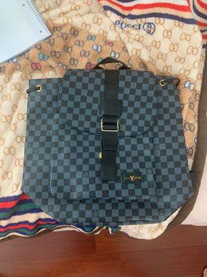 Louis Vuitton bag for Sale in North Miami Beach, FL