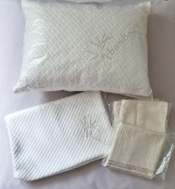 4pc Set Travel Size Memory Foam Pillow with Pillow Cases for Sale in Cape Coral,  FL