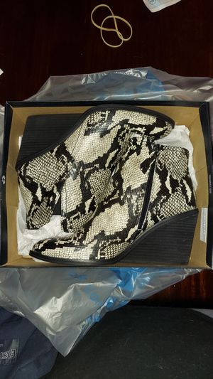 Dr. Scholl's Morgan Embossed Snake Skin Print Wedge Booties for Sale in Tampa, FL